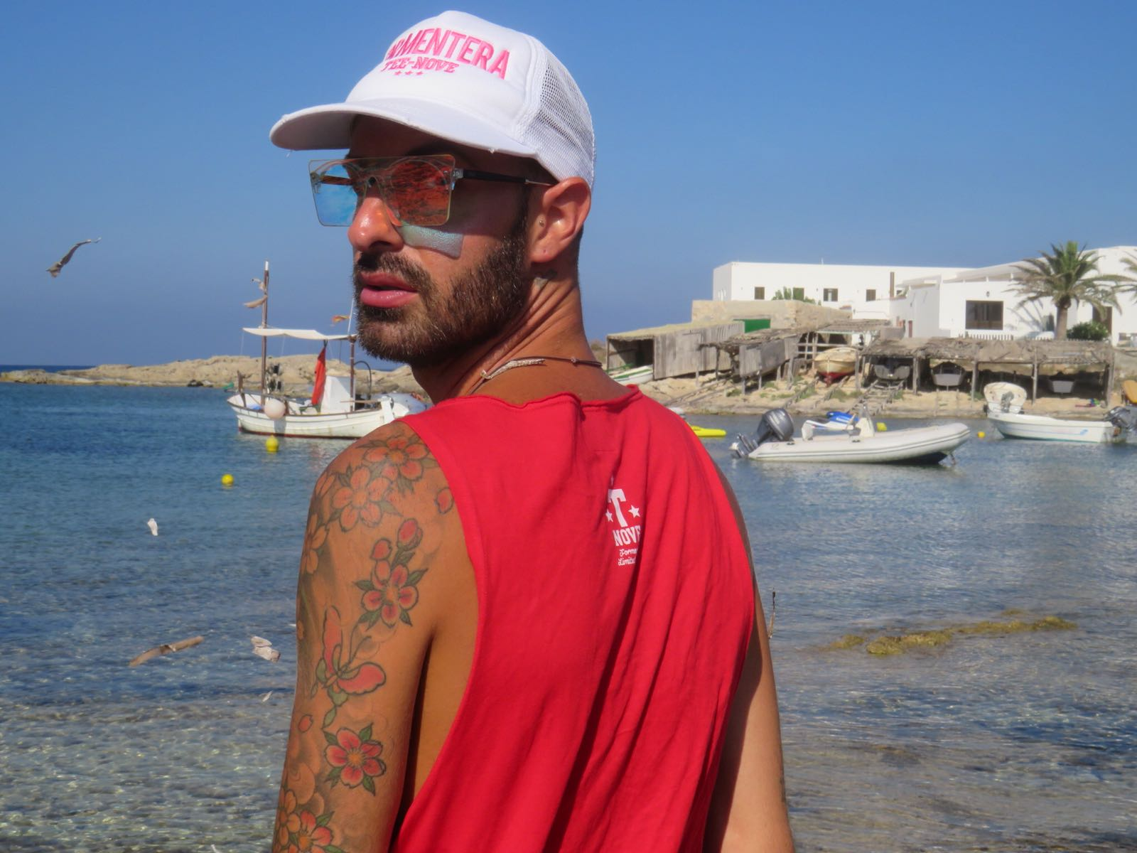 Snapback bianco e fucsia Tee-Nove Formentera, special edition Formentera